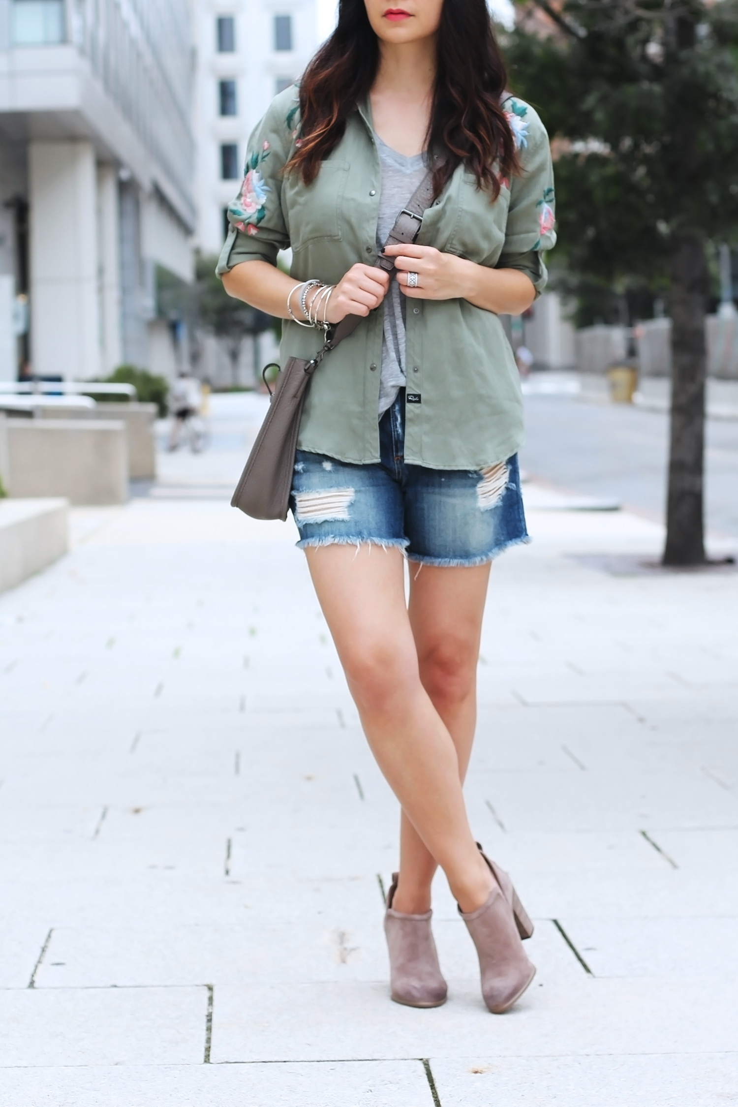 Jean Shorts Outfit for Summer