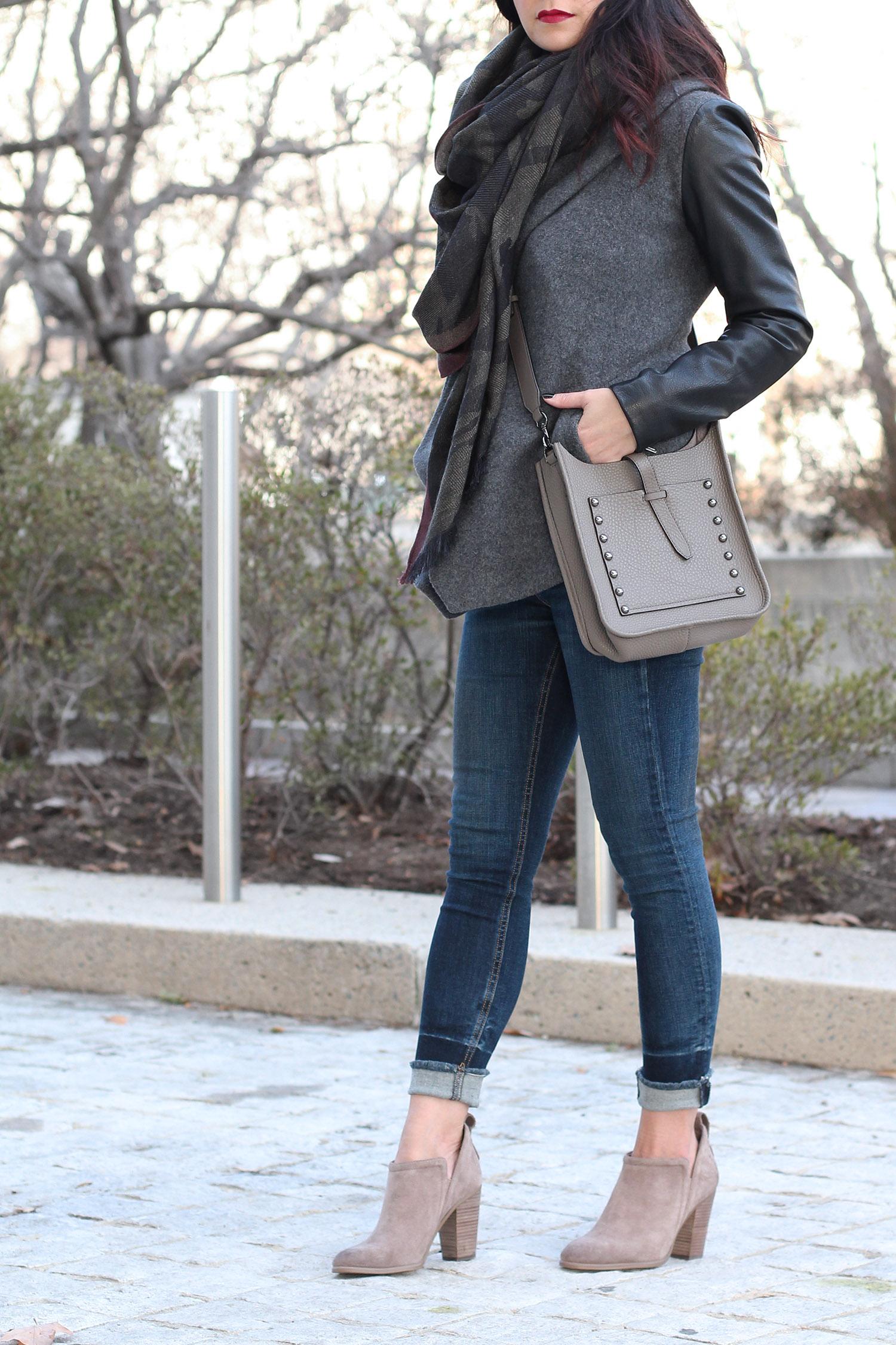 Camo Scarf, Blazer, Skinny Jeans Outfit