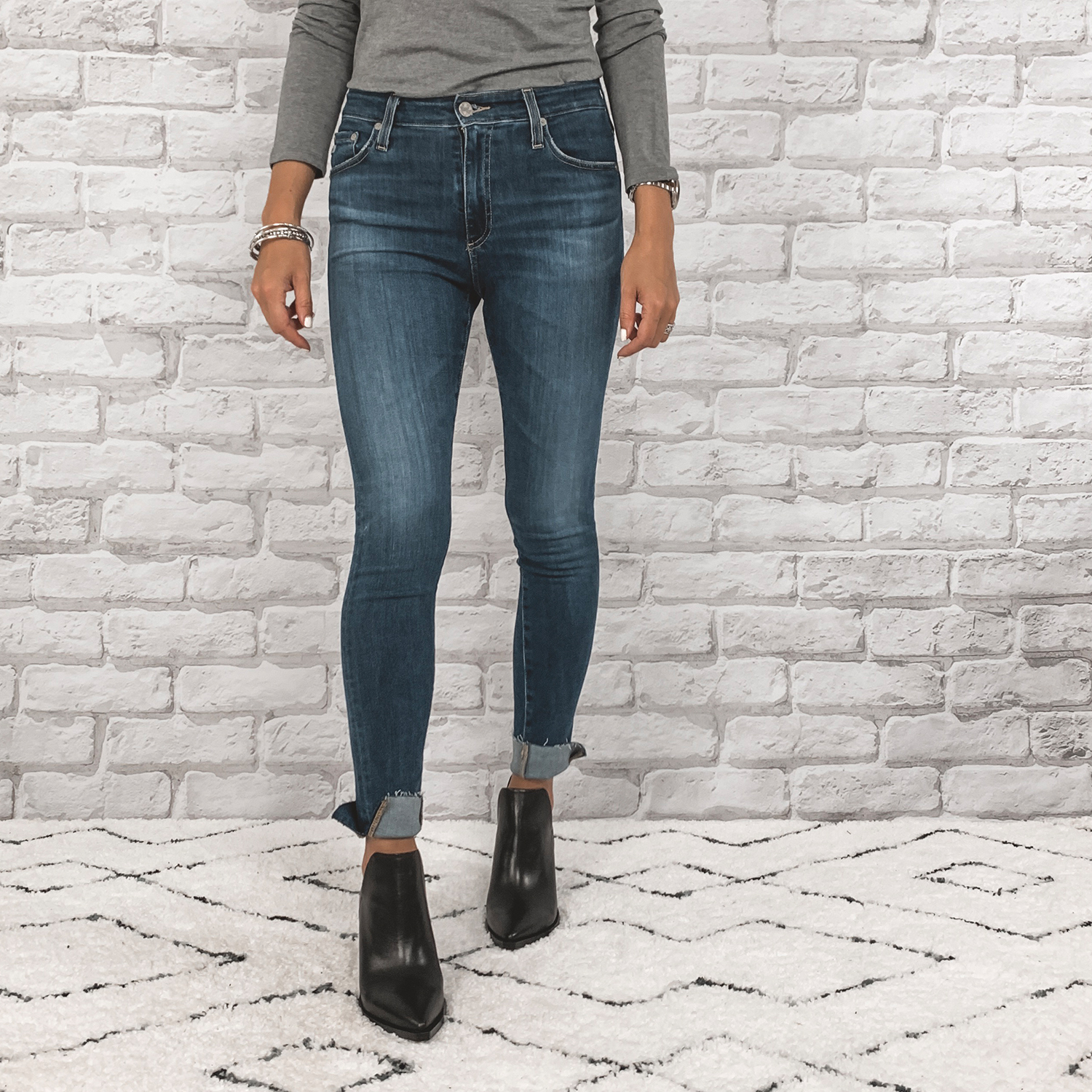 — OUTFIT DETAILS —    AG Farrah High Waisted Skinny Jeans      {Anniversary Price: $149.90 | After Sale: $225.00 | Wearing: 26}  |     Vince Camuto Boots