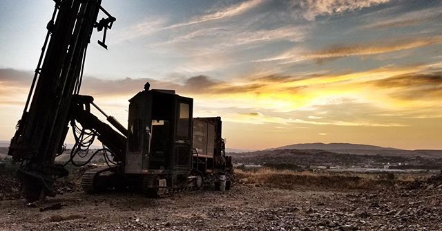 It's hard to beat these summer sunsets. 📷 Nick Hardt . . . . #drilllife #drillers #drill #Drillit #blastholedrilling #blastholes #equipment #constructionequipment #miningcontractor #dirtlife #operator #dirtwork #miner #aggregate #ibuildamerica #aridrilling #aggregate