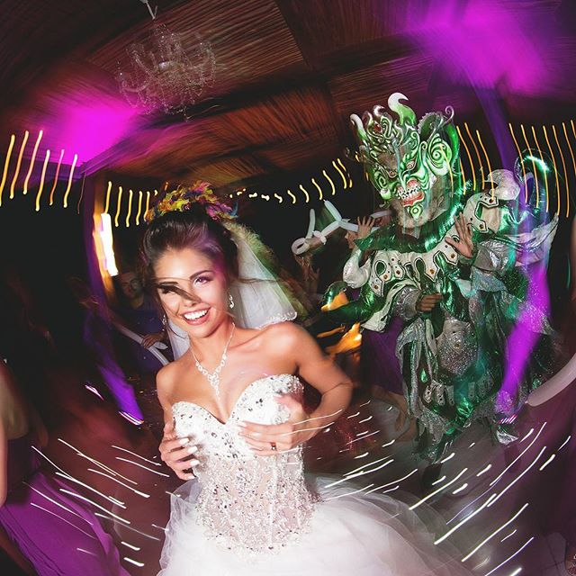 Can't get enough of this wedding 💝💃💝 #puntacanawedding #weddingPuntaCana #puntacanaphotography #puntacanavideography #laPalapa #laPalapaPuntaCana #capcanawedding #capcanaweddings