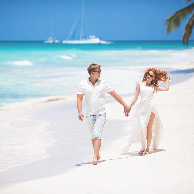 All You Need is Love And A Beach 🏝 💝🏝 #majesticcolonialpuntacana #iberostarpuntacana #puntacanaweddingplanner #dominicanrepublicwedding