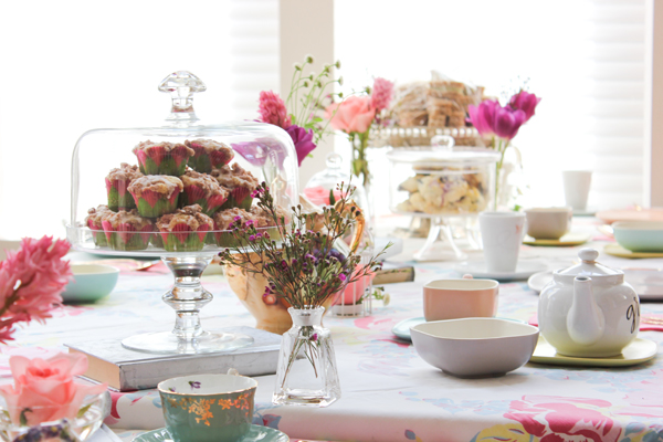 harpers_tea_party_muffins_flowers_2.jpg