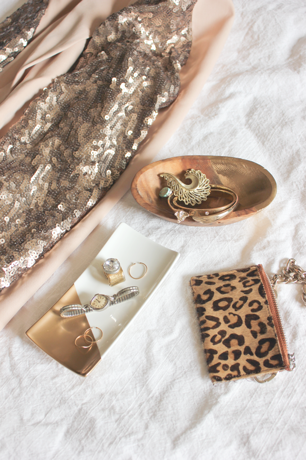 diy-dipped-gold-jewelry-tray-6.png