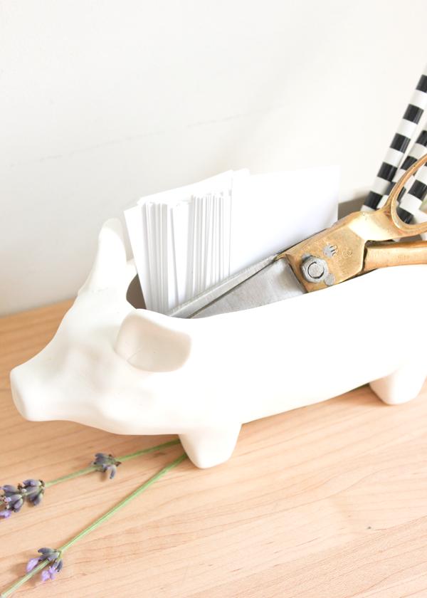 Ceramic-Pig-Container-3-Ways-3.png