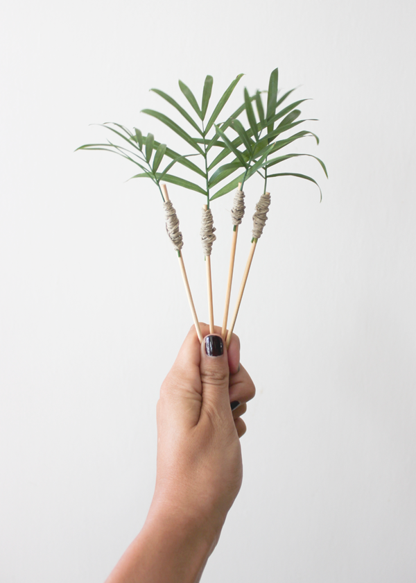 Palm-Frond-Drink-Stirrer-DIY-5.png