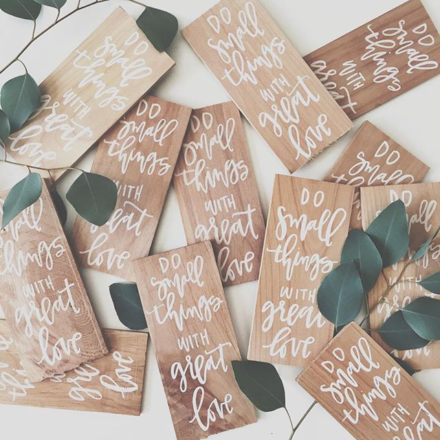 Calligraphy and Wood Favors | A Fabulous Fete