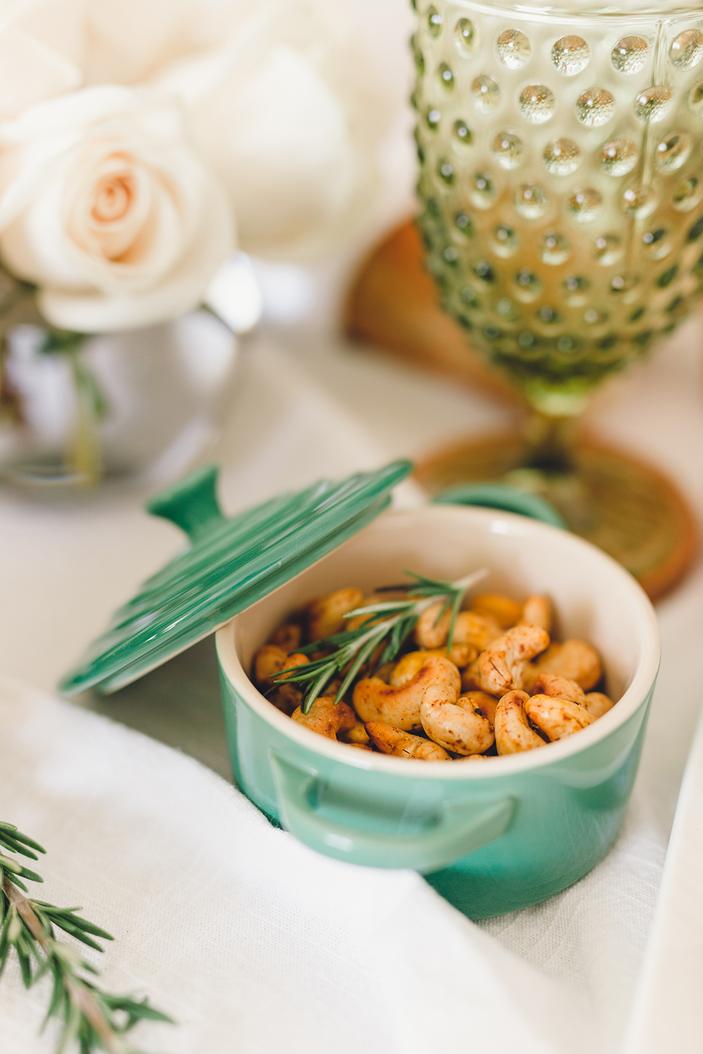 Individual servings of rosemary spiced cashews | A Fabulous Fete