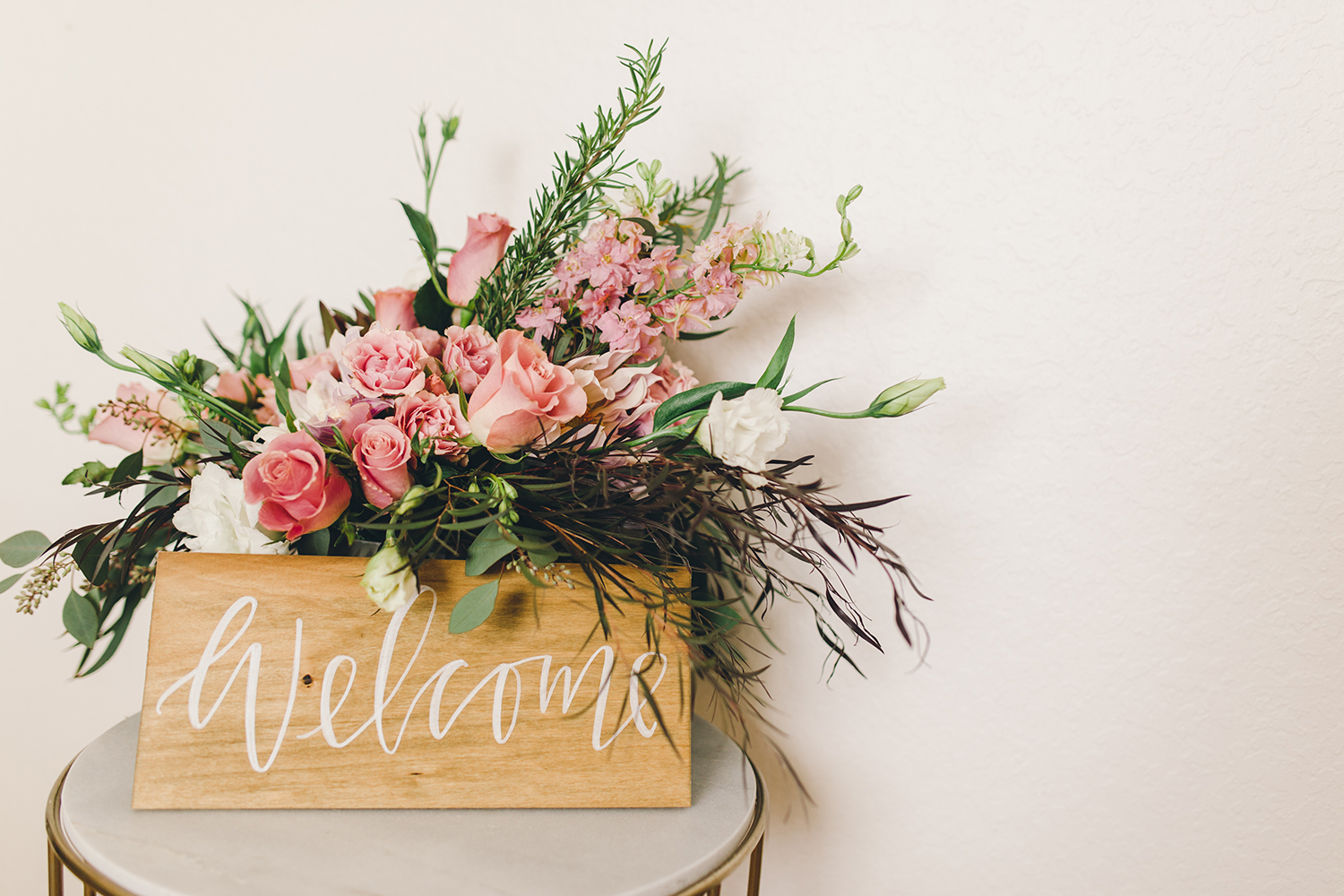 Hand lettered wood welcome signs | A Fabulous Fete