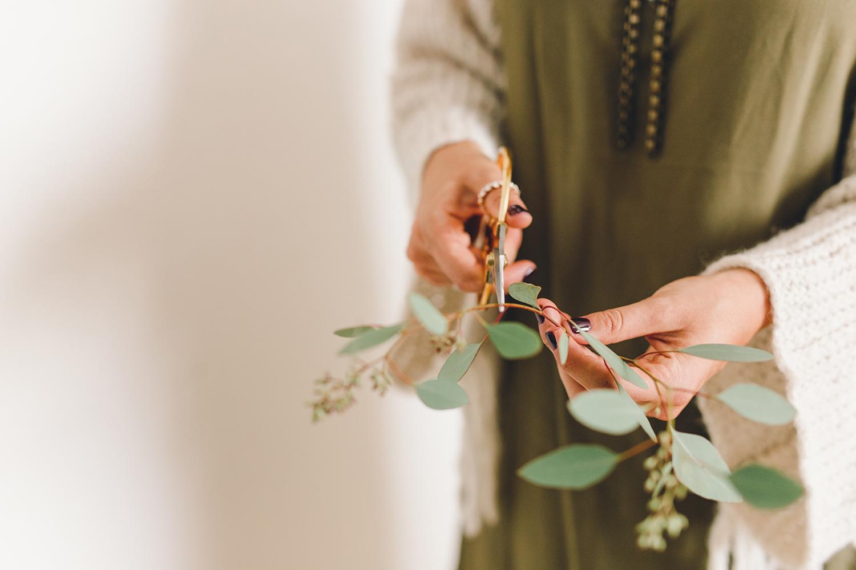 Garnish simple wreaths with fresh eucalyptus | A Fabulous Fete