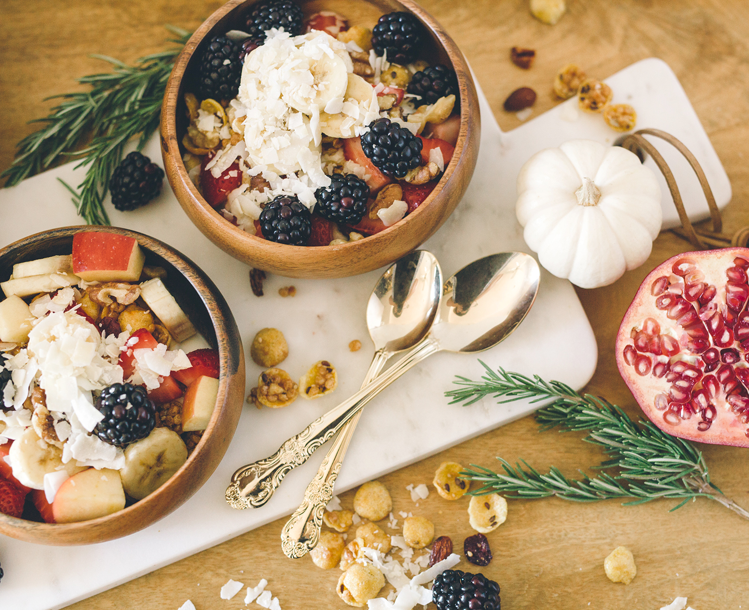 Healthy breakfast bowl bar for hosting overnight guests | A Fabulous Fete
