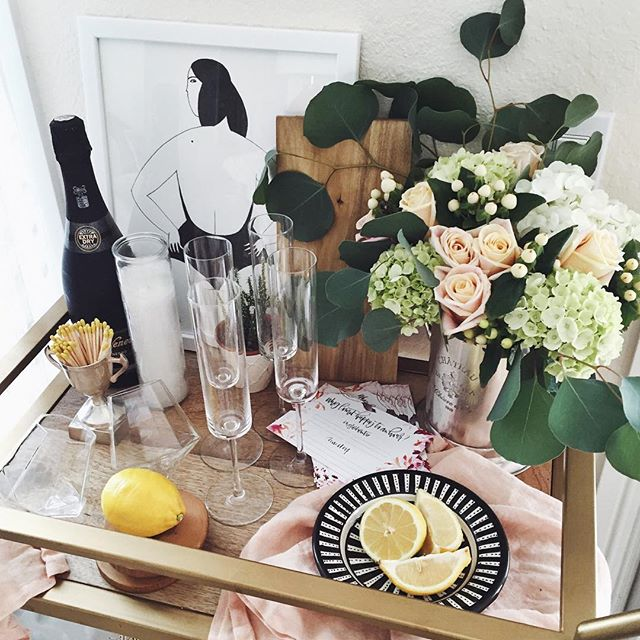 Simple champagne bar cart decor | A Fabulous Fete