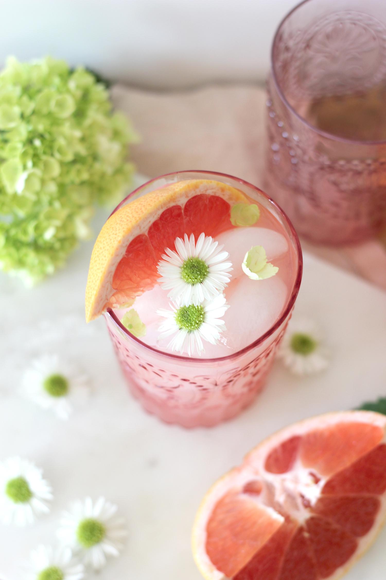 Grapefruit and Vodka Cocktail | A Fabulous Fete