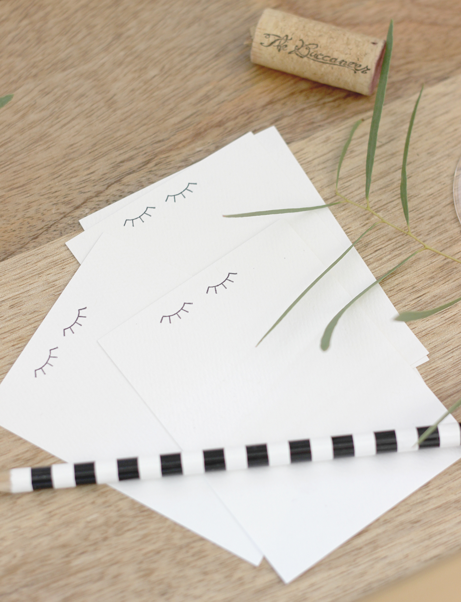 DIY mini eyelash notecards | A Fabulous Fete