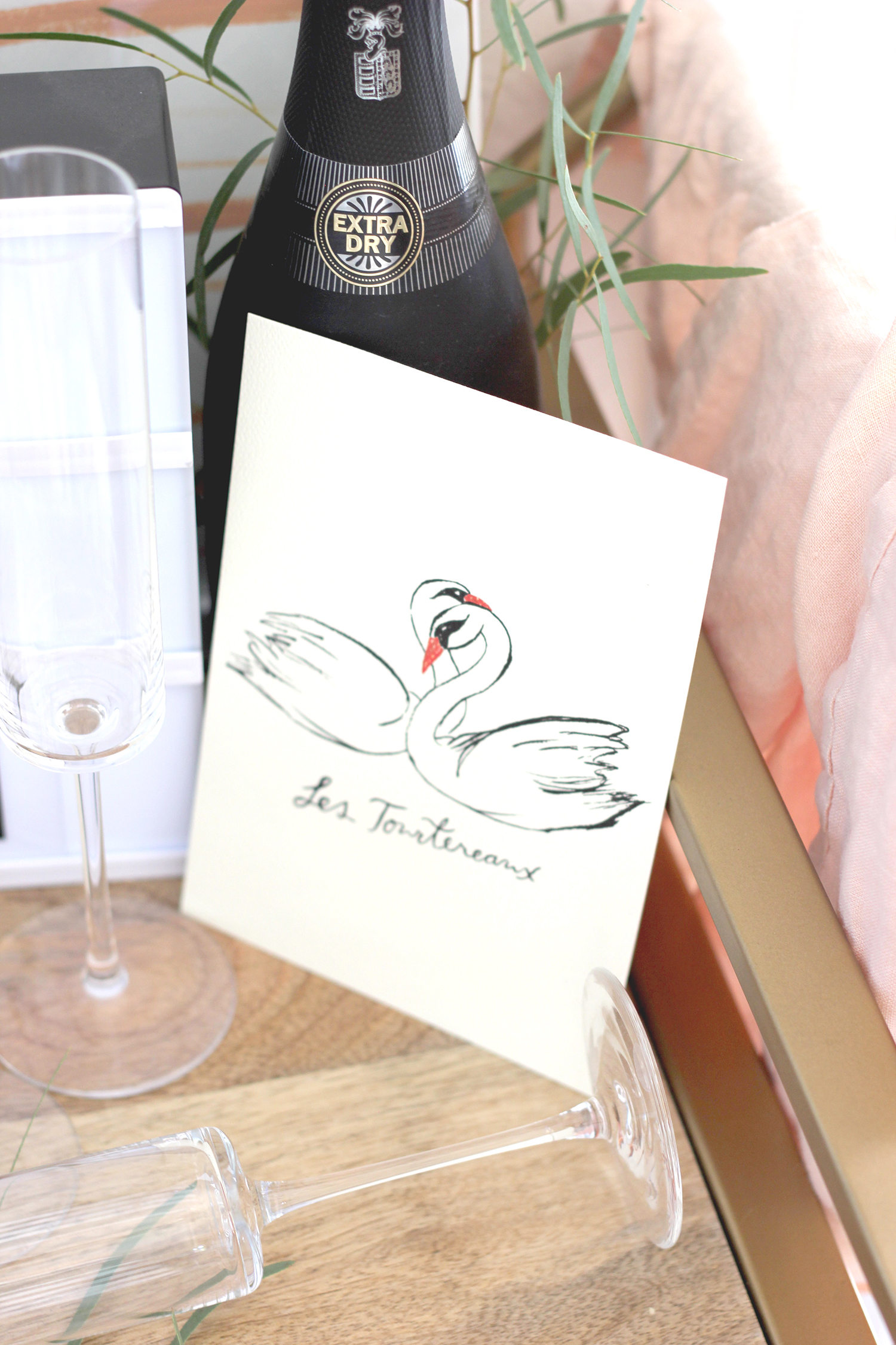 Swan illustration from Wilde House Paper | A Fabulous Fete