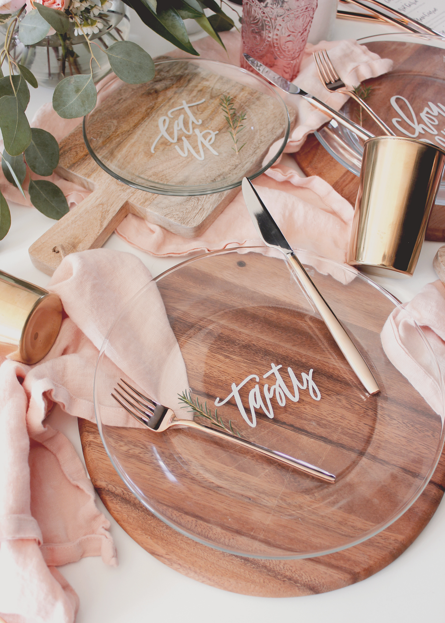 How to hand letter plates you can actually use | A Fabulous Fete