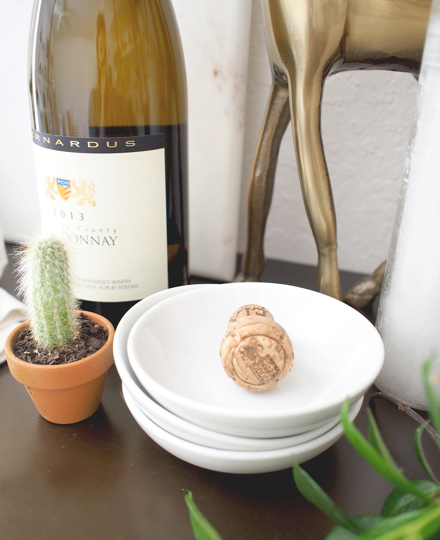 Tiny snack dishes for your guests to dish out nuts and other simple items you can store in your entertaining nook | A Fabulous Fete