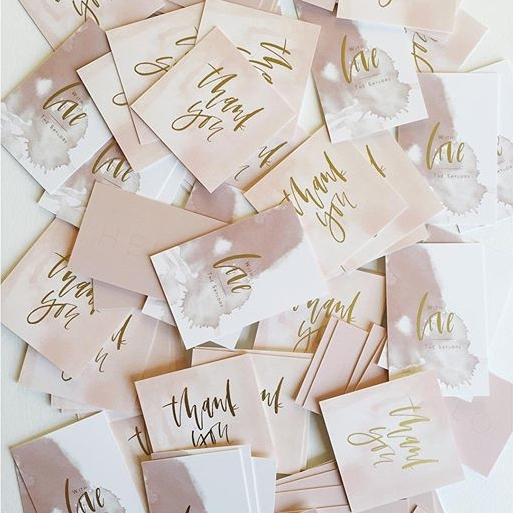 Thank you cards with custom calligraphy and gold foil from Moo | A Fabulous Fete