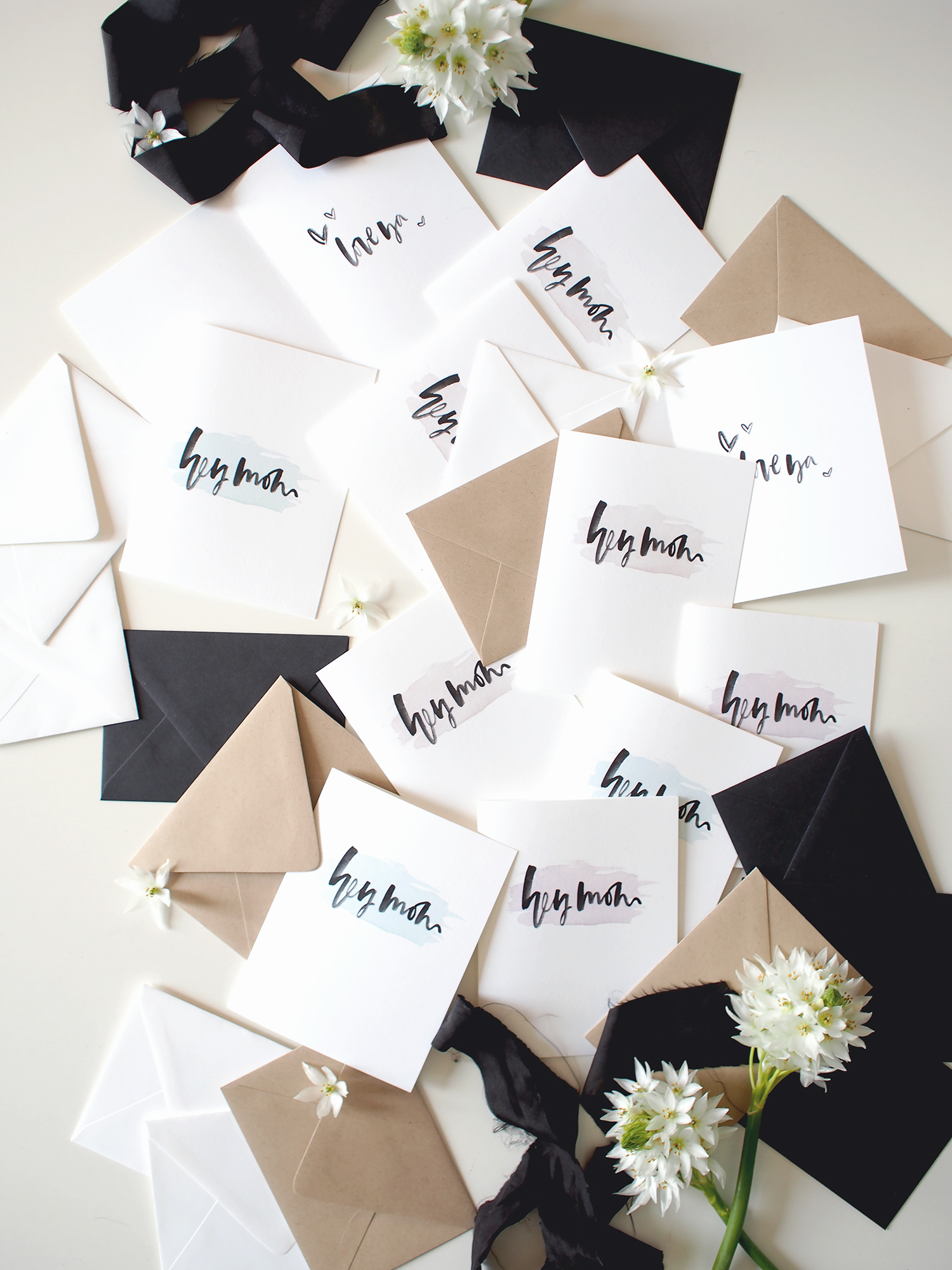 Print out these free cards for all the moms in your life! Choose from pink, green or taupe with black watercolor lettering | A Fabulous Fete