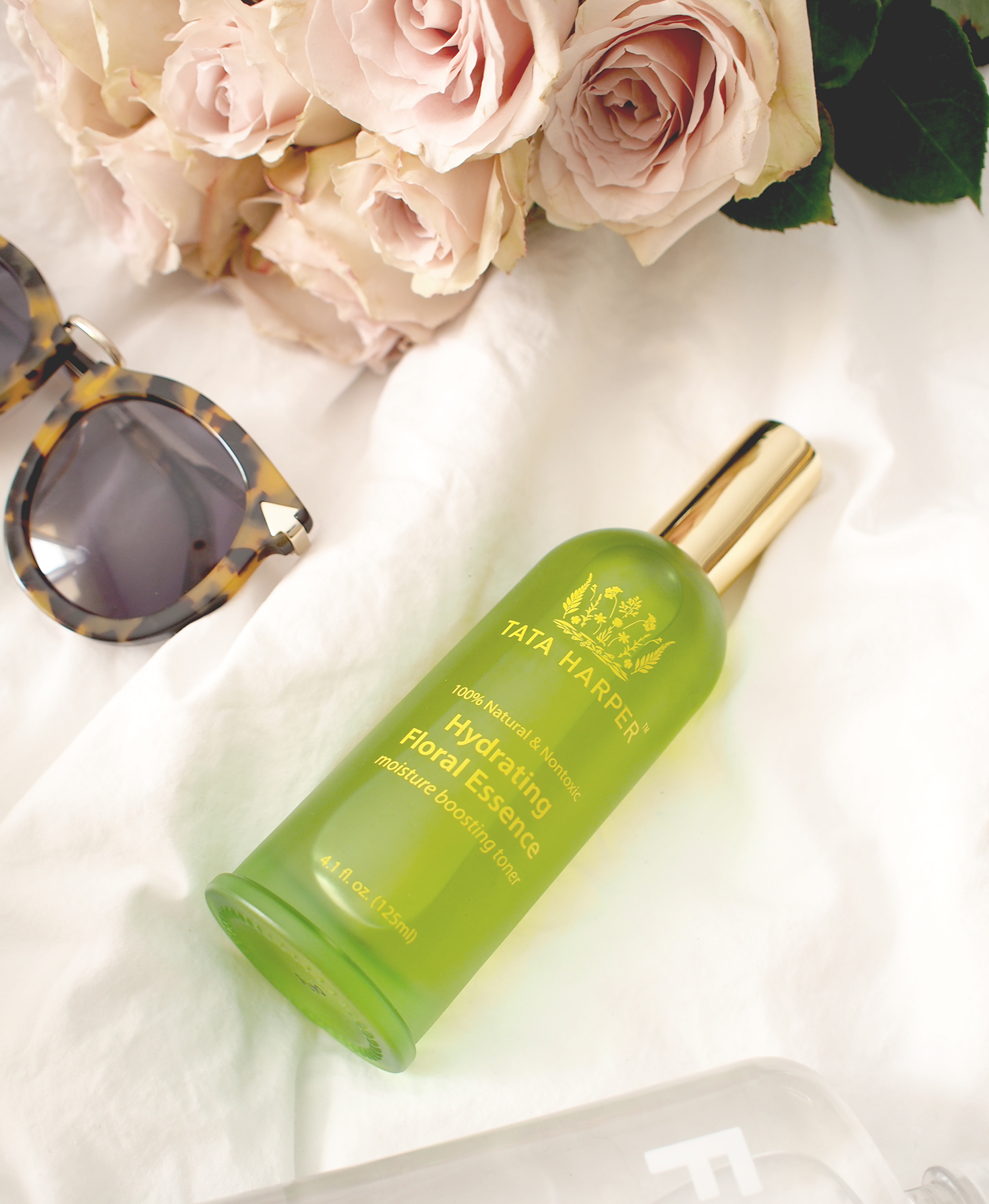Tata Harper toner, perfect for hot + dry climates (hello palm springs vacays in the summer!) | A Fabulous Fete