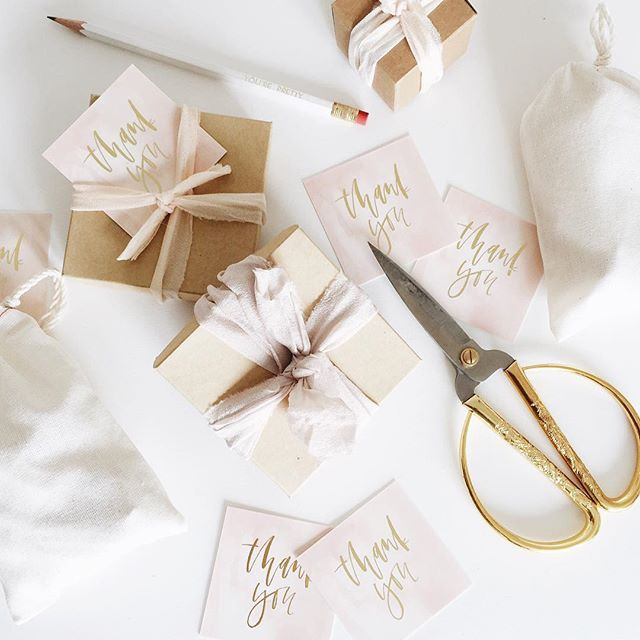 Thank you cards from Moo with custom calligraphy in gold foil | A Fabulous Fete