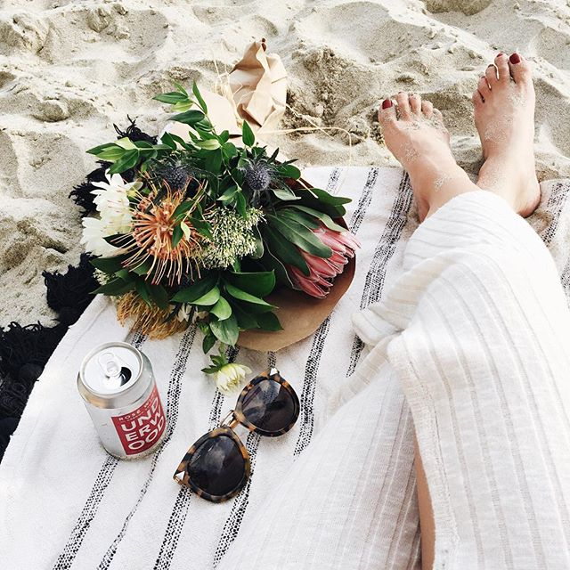 Beach happy hour in Laguna | A Fabulous Fete