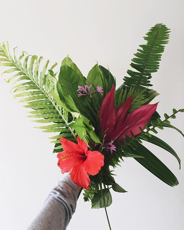 Tropical flowers from the yard | A Fabulous Fete