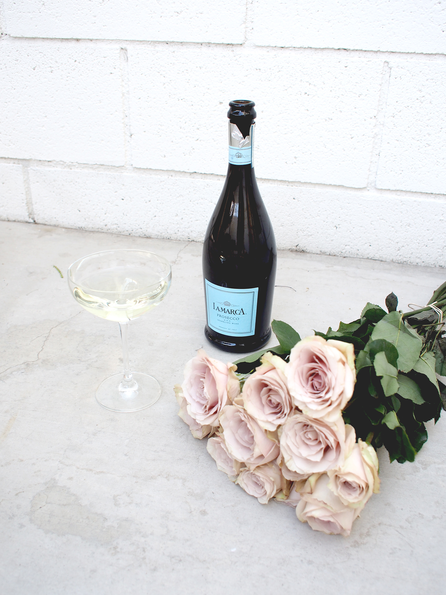 Champagne and roses   A Fabulous Fete