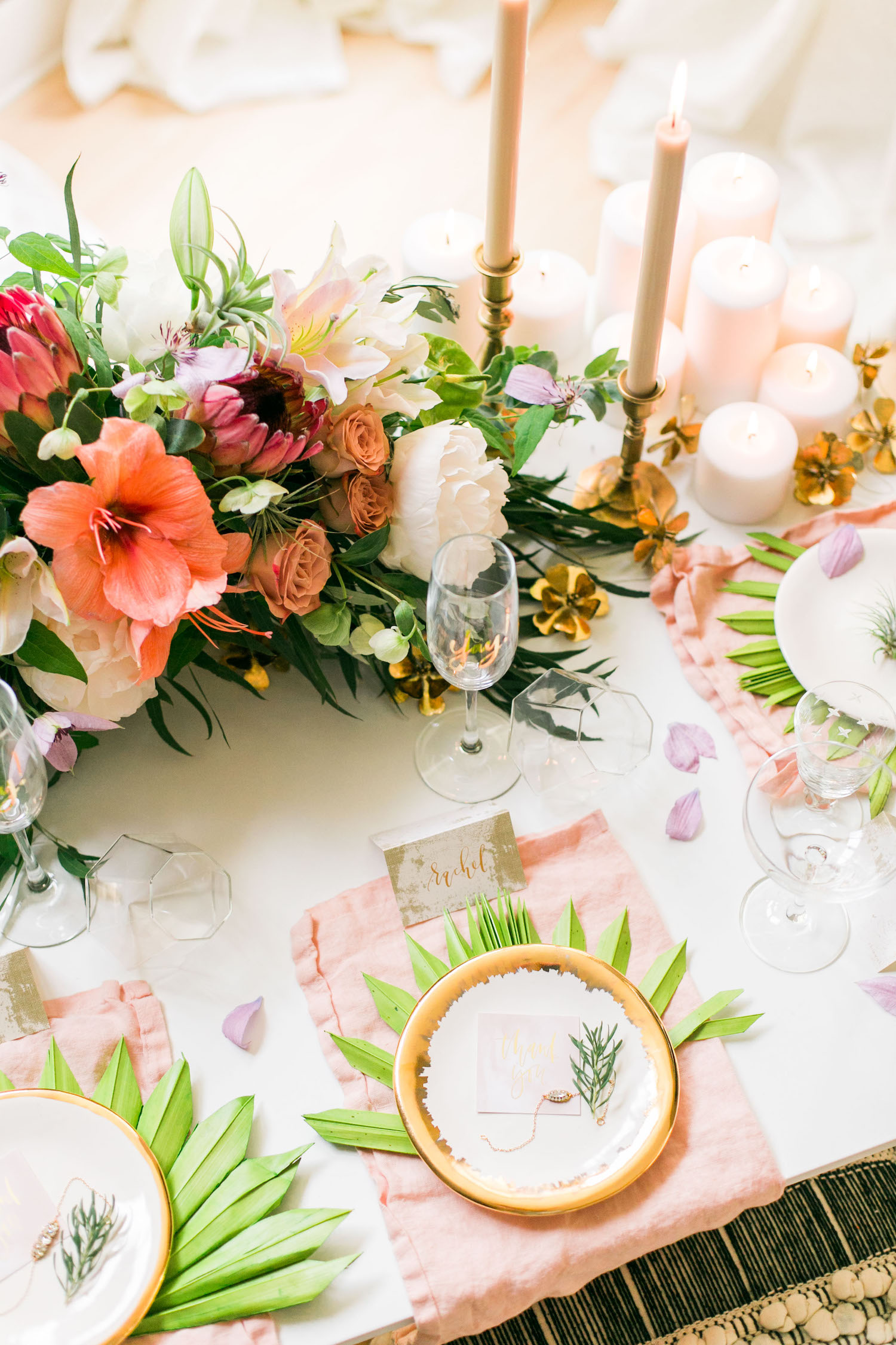 Rehearsal dinner table setting with a tropical touch | A Fabulous Fete