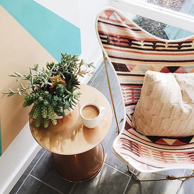 butterfly-chair-palm-springs.jpg