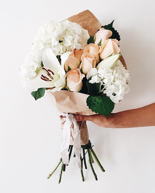 roses-hydrangea-lillies.jpg