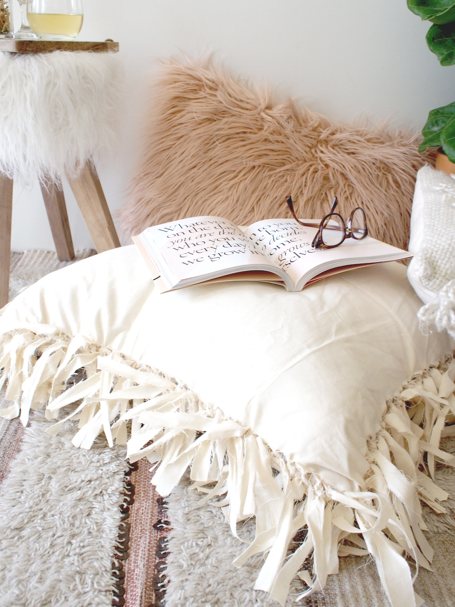 How to make floor pillows for your home | A Fabulous Fete