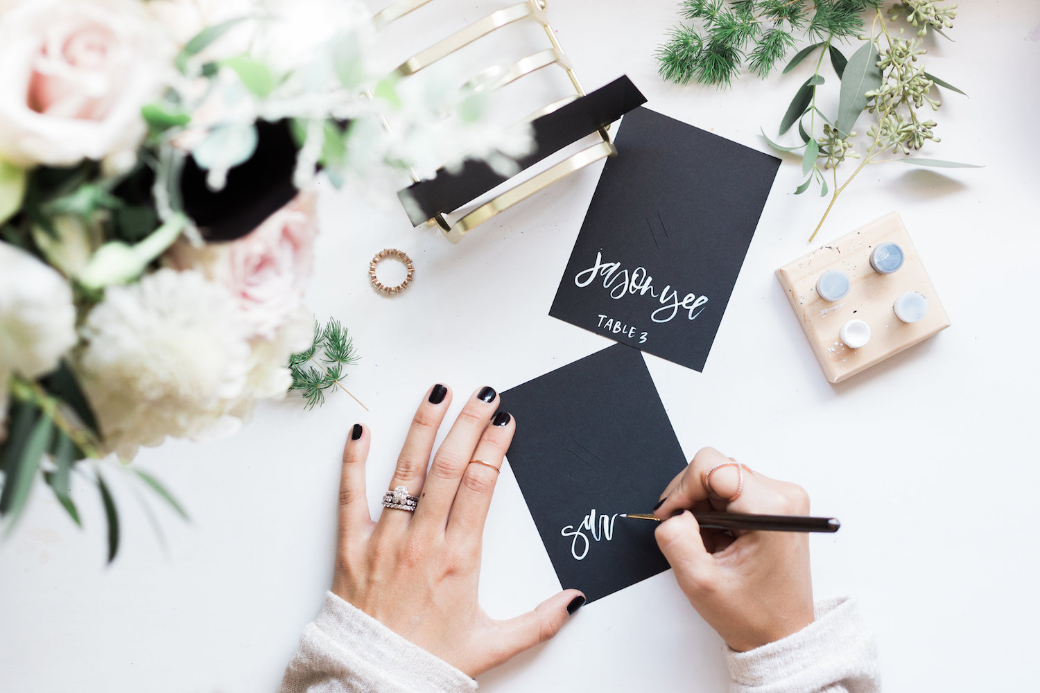 Hand lettering card stock escort and place cards | A Fabulous Fete