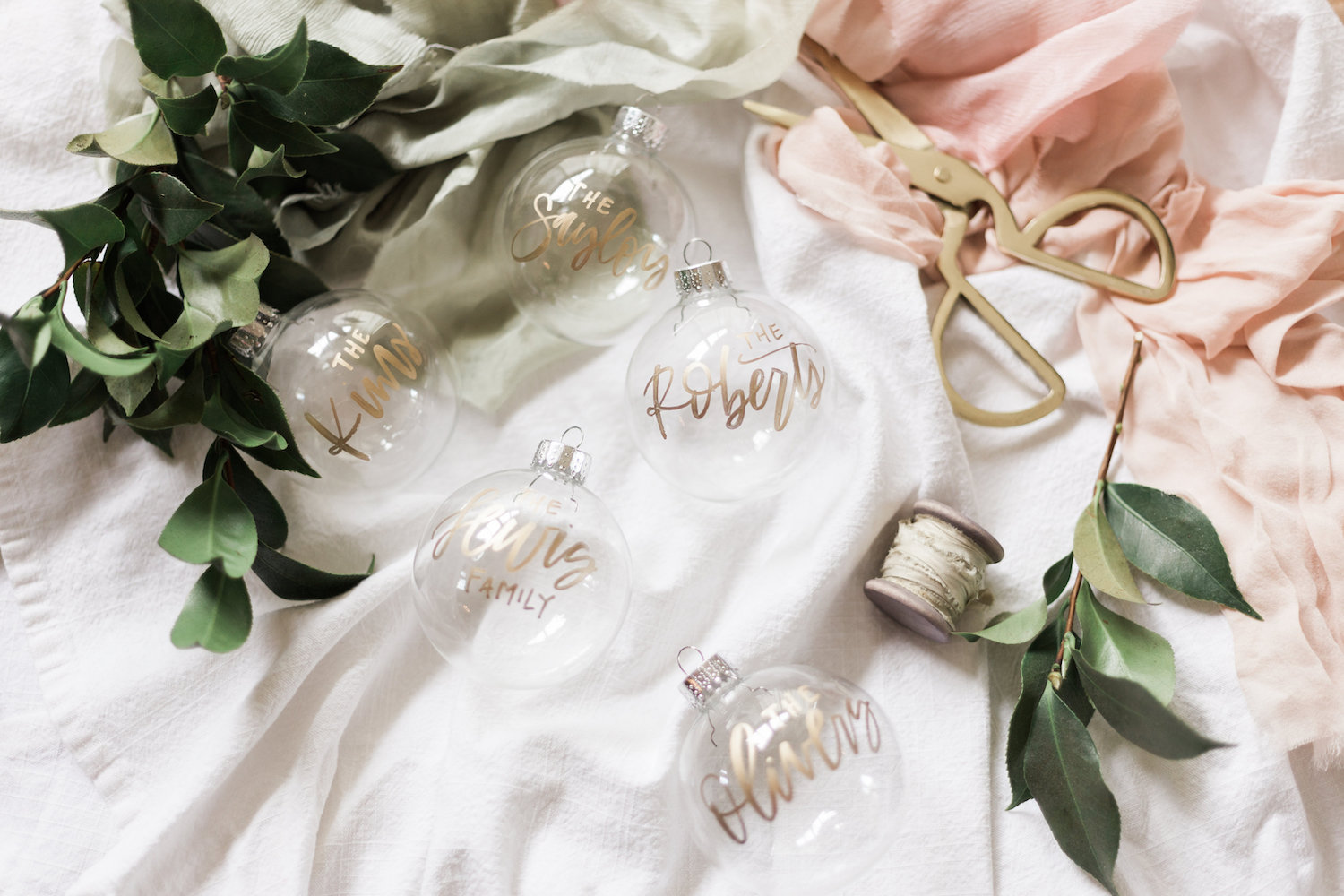 Simple customized holiday decor | A Fabulous Fete