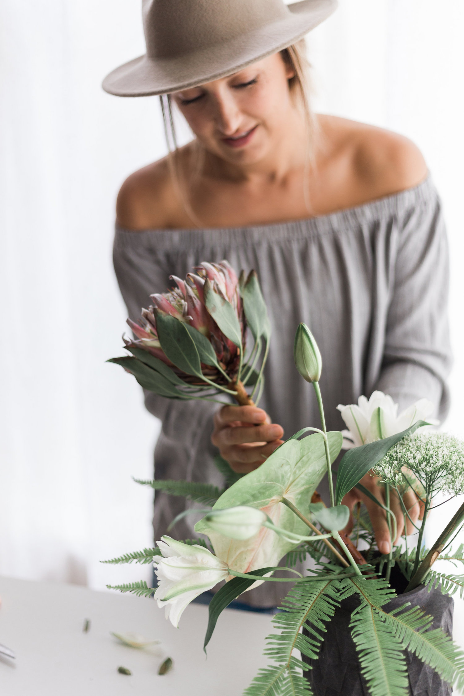 Giant protea for a tropical flower arrangement | A Fabulous Fete