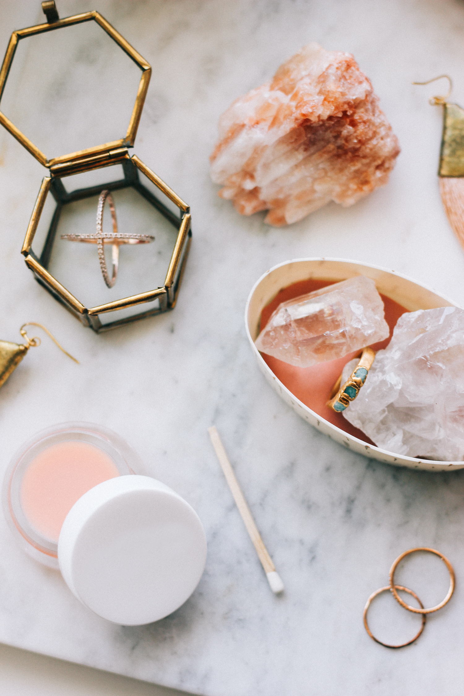 Jewelry organization ideas and a DIY | A Fabulous Fete