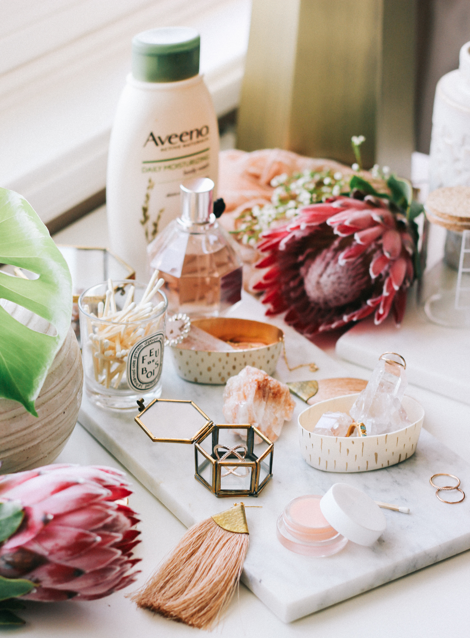 Make your own trinket dishes to organize your dresser | A Fabulous Fete