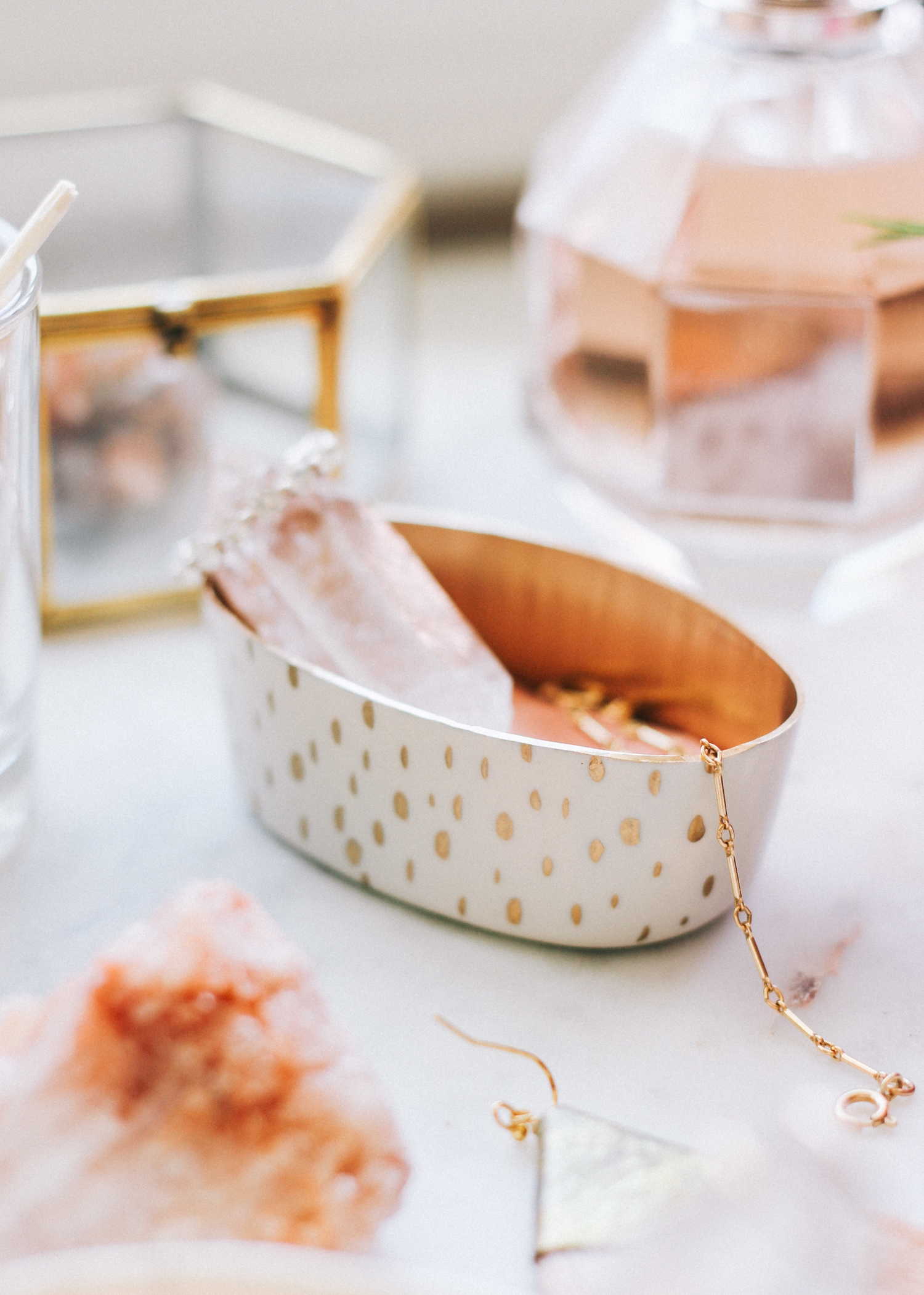 How to make these hand painted trinket dishes | A Fabulous Fete
