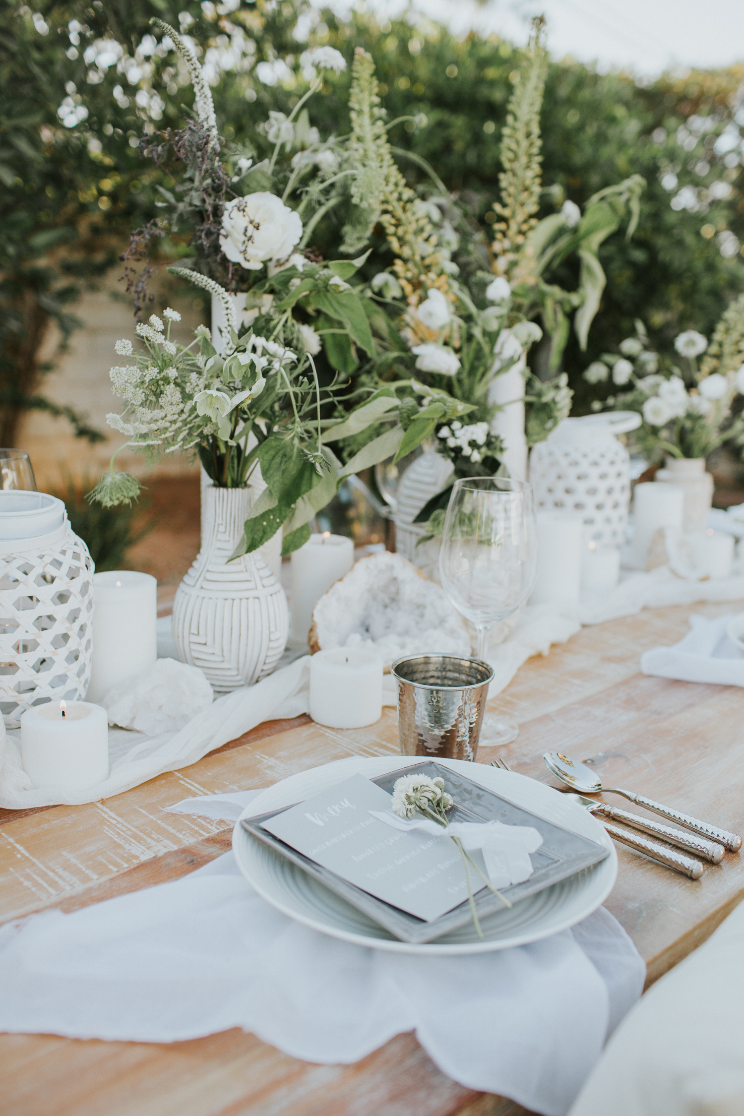 Simple settings for a summer party with a gauze table runner   A Fabulous Fete