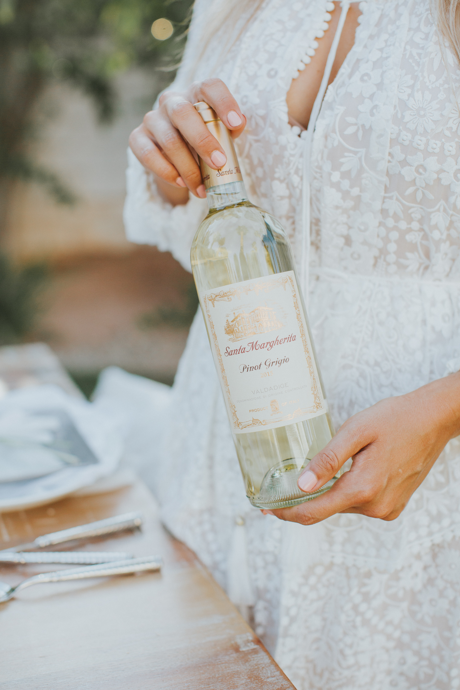 Pinot Grigio, perfect for a warm summer dinner party   A Fabulous Fete