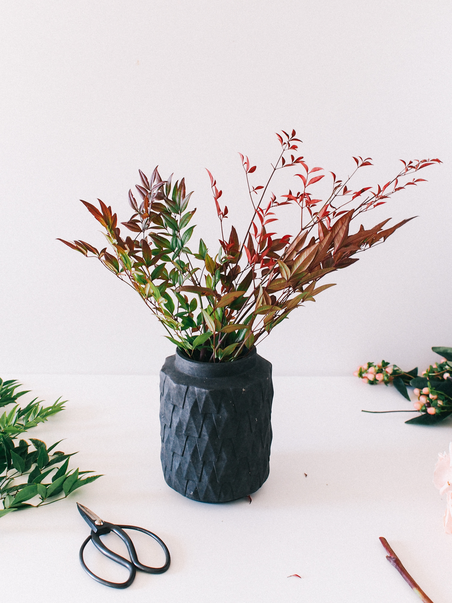 Simple steps to building your first holiday arrangement  | A Fabulous Fete
