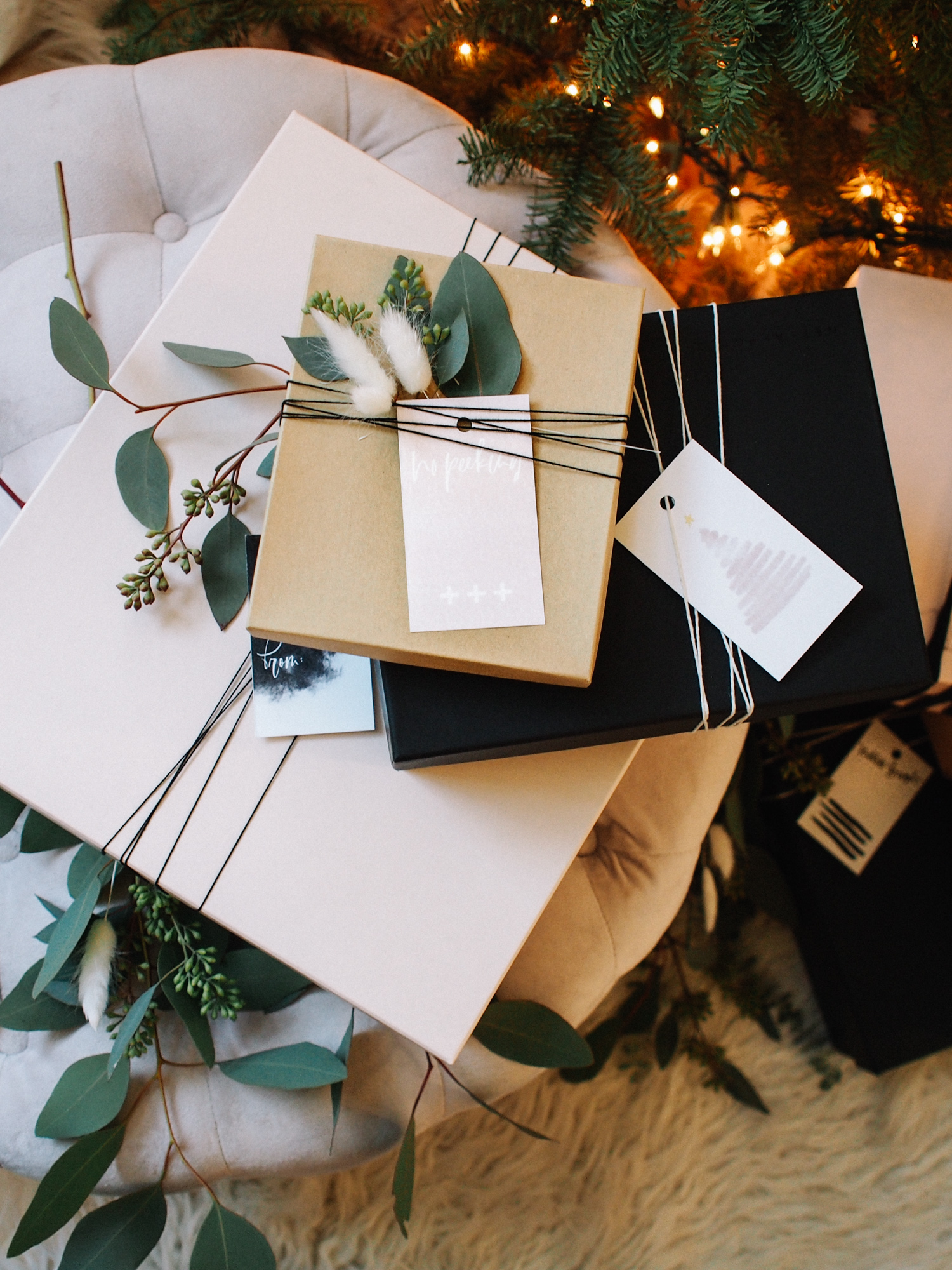 Neutral holiday color palette for wrapping your gifts. Stop by the blog to download these free printable tags!   A Fabulous Fete