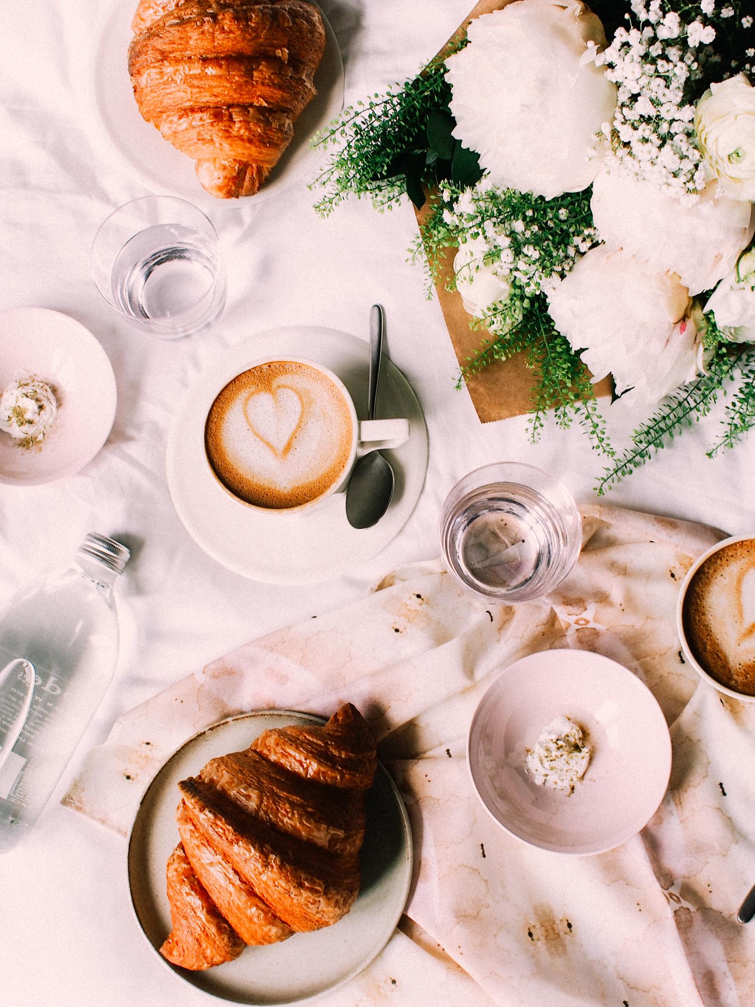 Breakfast in bed, New York   A Fabulous Fete