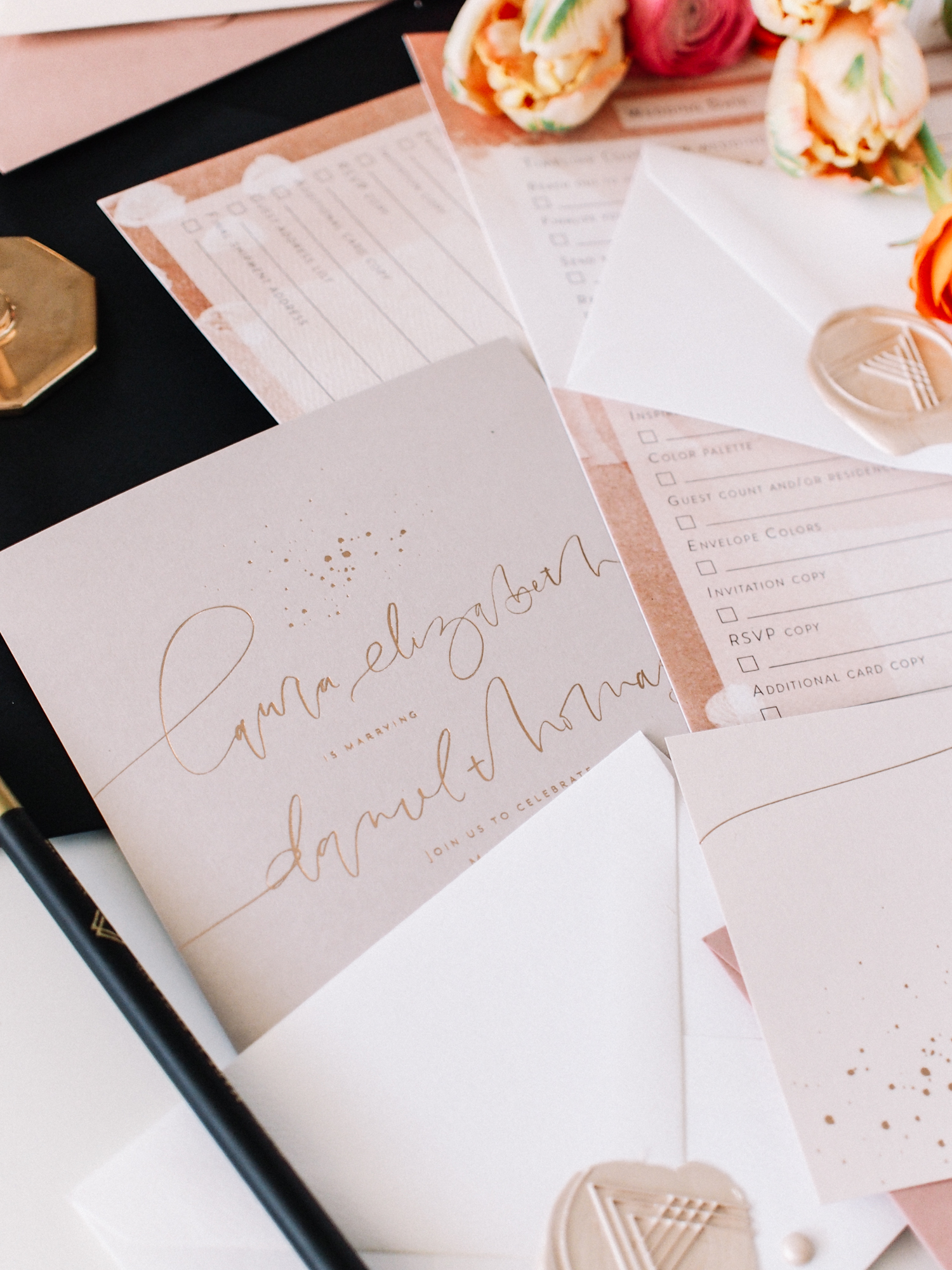 Learn how to create a timeline for your wedding invitations with this free printable | A Fabulous Fete
