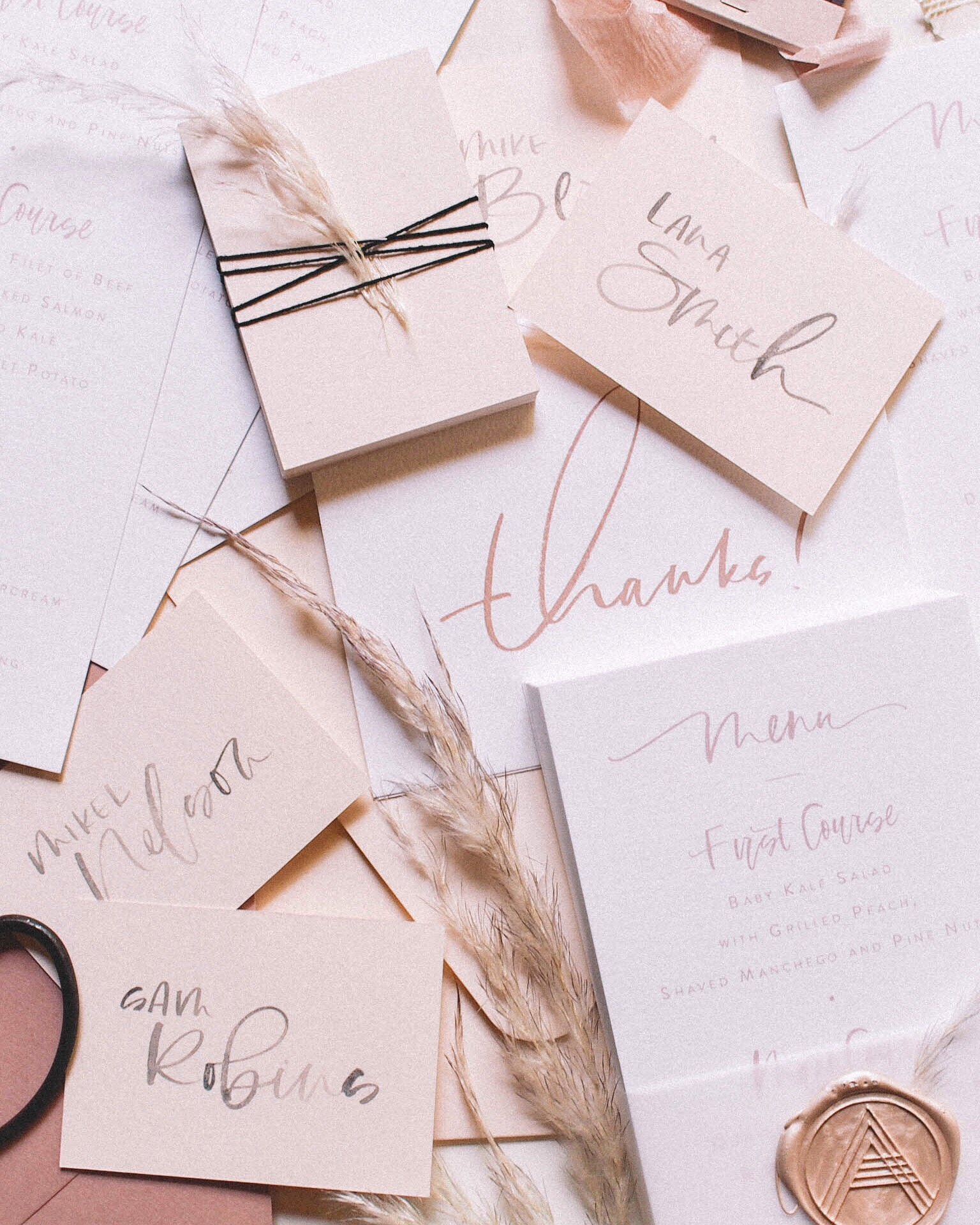 hand lettered menu and place card | A Fabulous Fete