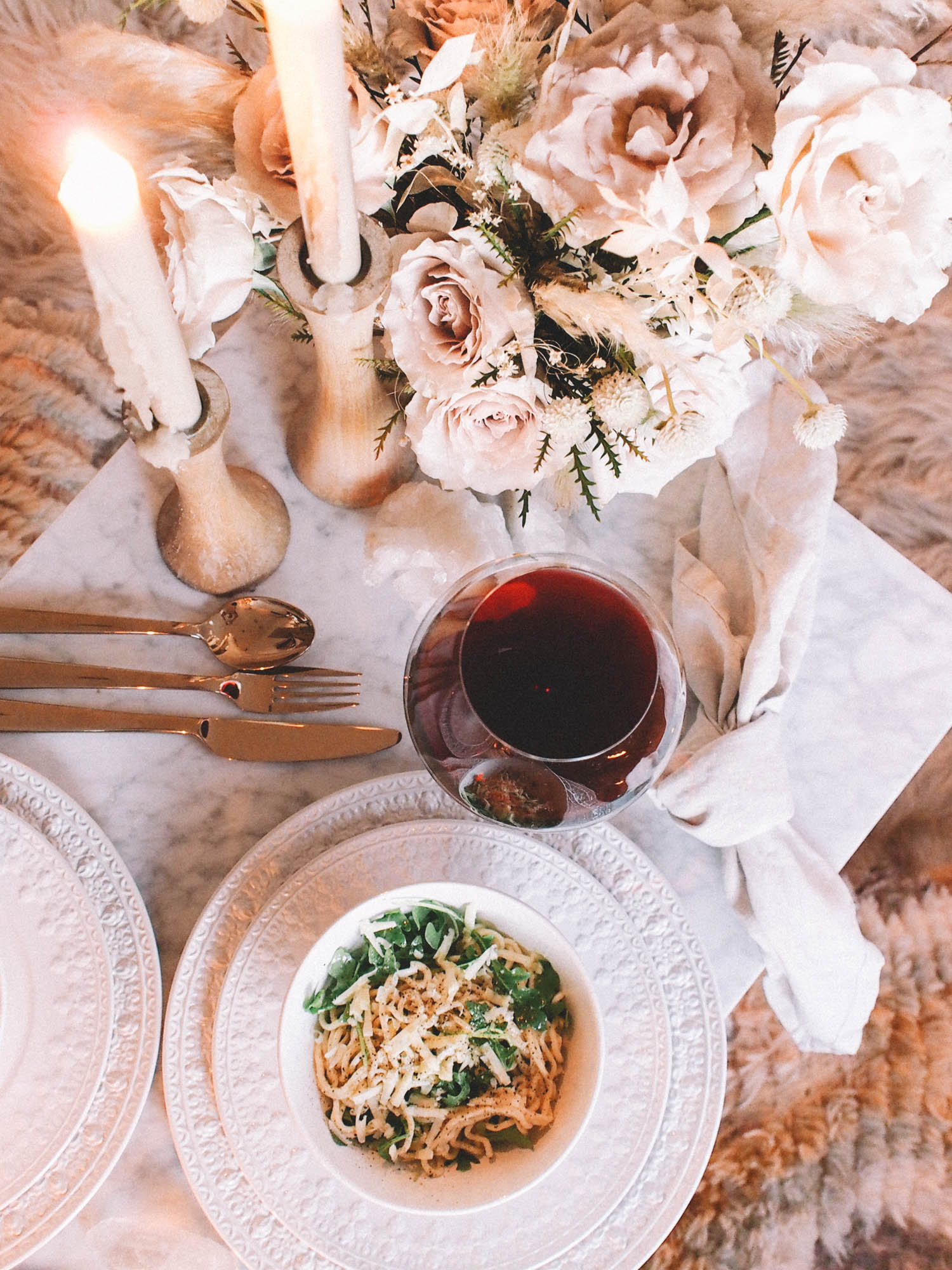 How to set the perfect table for a date night | A Fabulous Fete