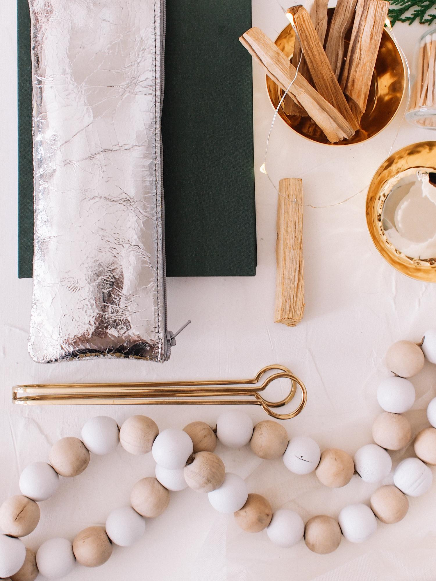 How to build a seasonal prop kit | A Fabulous Fete