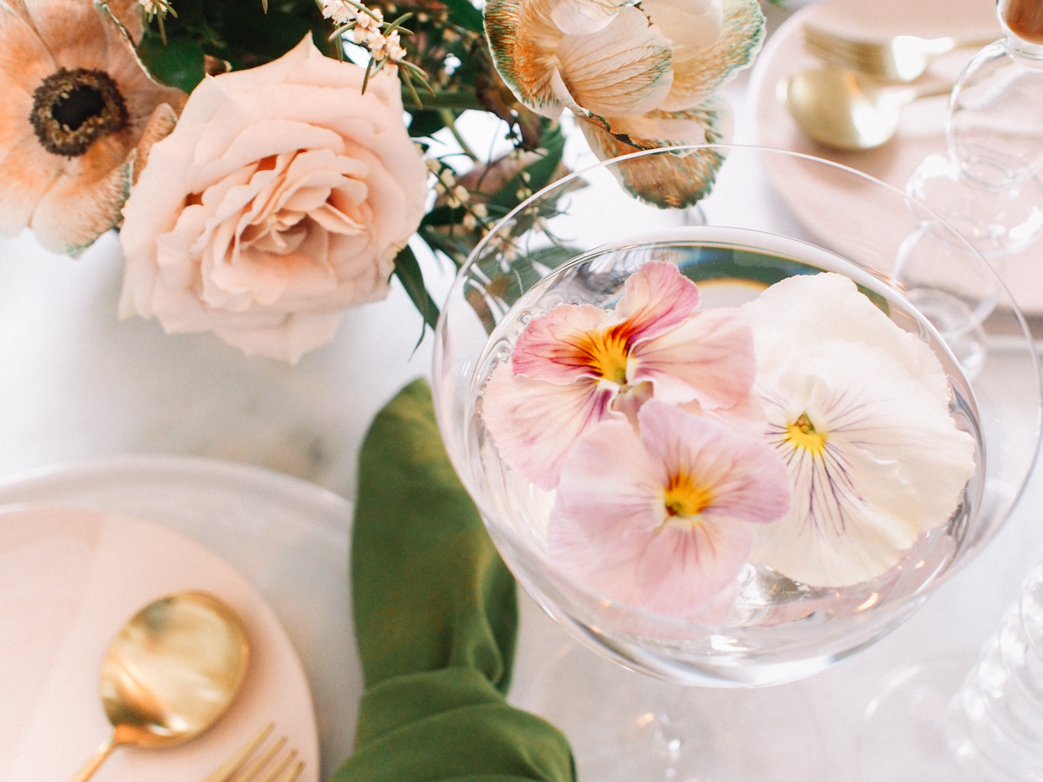 Inspiration for hosting a spring party - Category: EntertainingRead Time: 3 Minutes