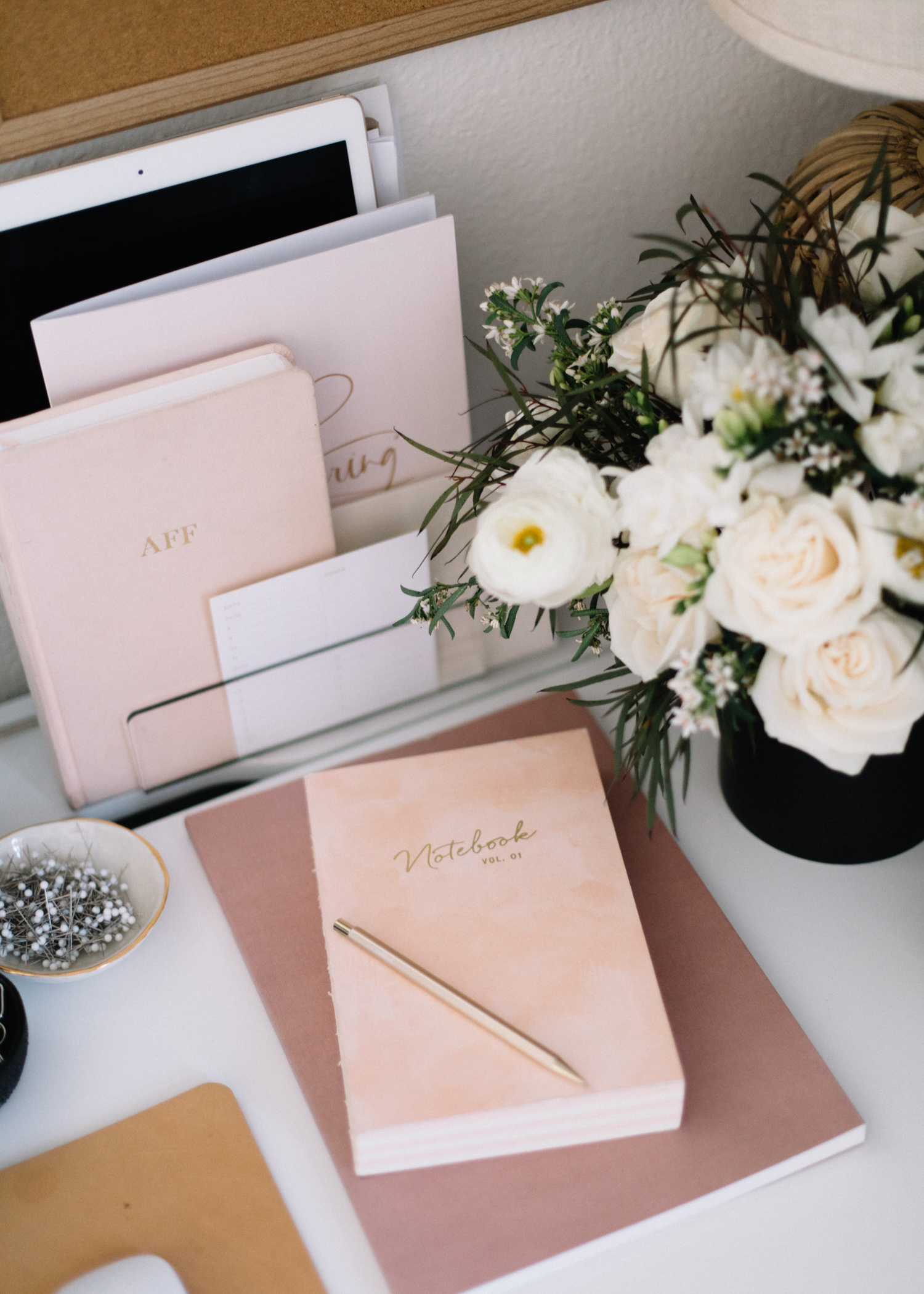 Tips for Organizing Your Desk Space | A Fabulous Fete