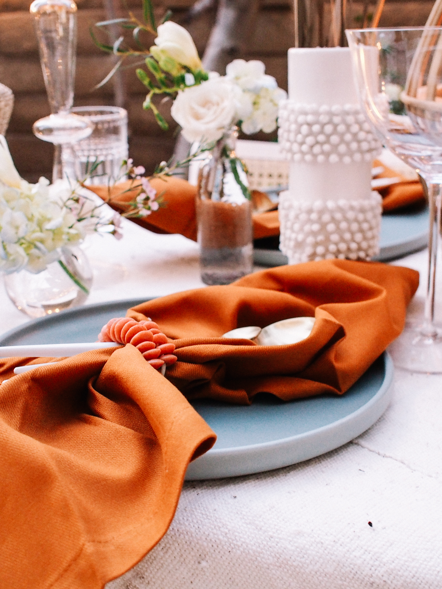 How to Host a Dinner in Your Garden or Backyard | A Fabulous Fete